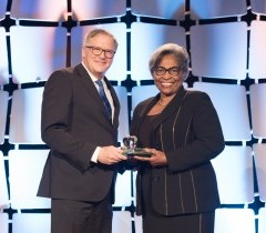 Dr. Avis Glaze (R) accepts the 2017 Honouree for a Champion of Public Education at the Tribute Celebration by The Learning Partnership<br />Photo: The Learning Partnership